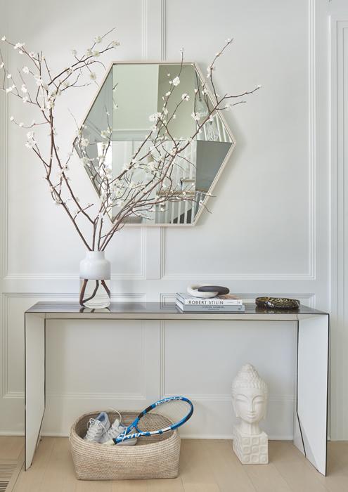 Entry - Sagaponack Interior Design by Vannessa Rome